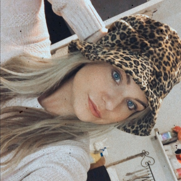✨ 3 for 25 ✨Cheetah hat